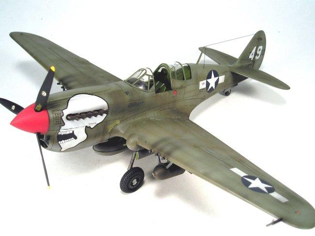 48 AMT/ERTL P-4... P 40 Warhawk
