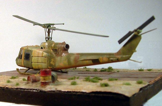 Carlos Ossa Escobar Detail: 1/72 Italeri Bell UH-1B Iroquois By Carlos Escobar
