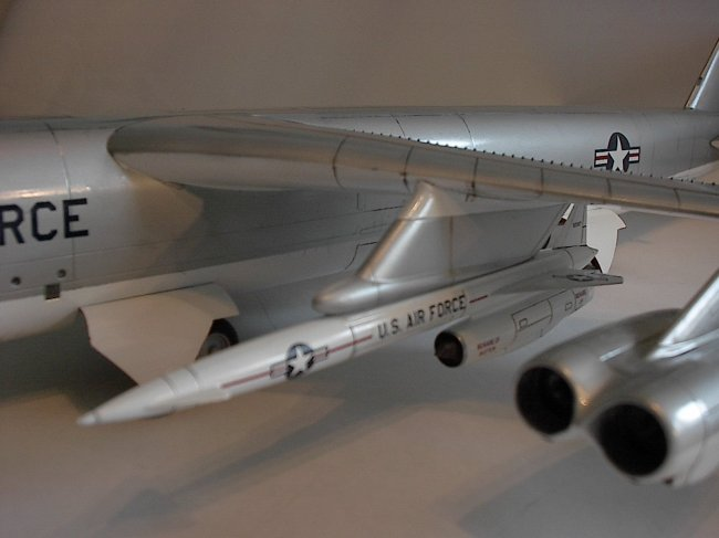 Sherwin Williams Auto Paint >> 1/72 AMT/Ertl B-52G In Chrome Dome finish by Eric R. Engstrom