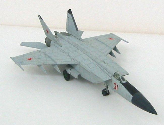 Mikoyan-Gurevich MiG-25 Foxbat Free Aircraft Paper Model Download