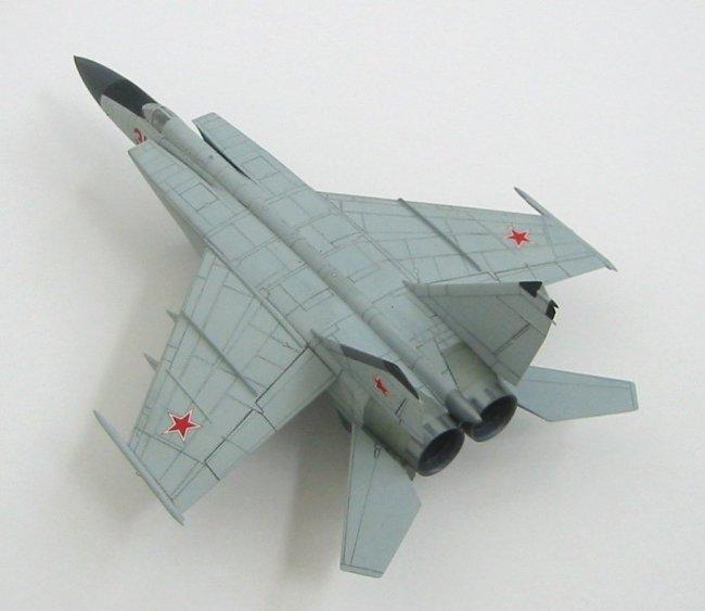 1/72 Hasegawa MIG 25 Foxbat by René Zass