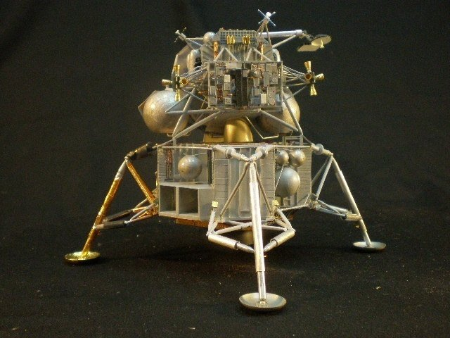 moon landing modules cutaway - photo #16
