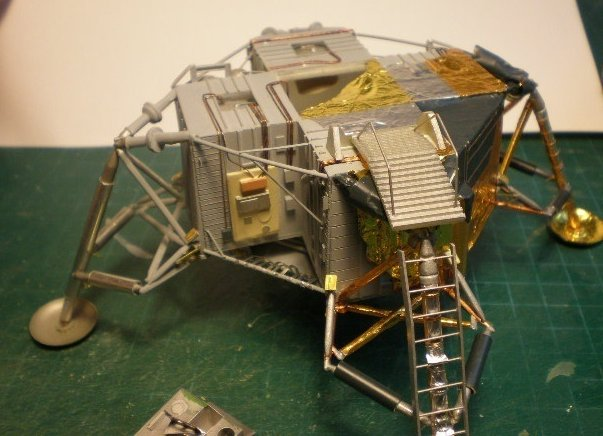 moon landing modules cutaway - photo #9