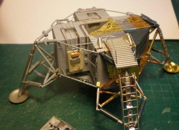 moon landing modules cutaway-#10