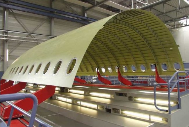 glare used in the fuselage of Every airframe manufacturer in the world has now fully embraced  the a380  also employs for the first time, the use of glare (glass fiber.